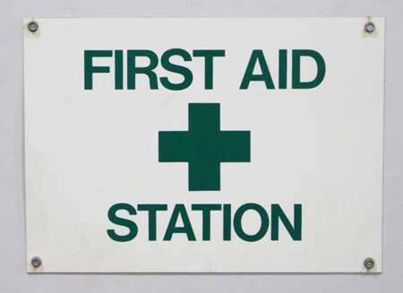 First aid station sign Sure Flow